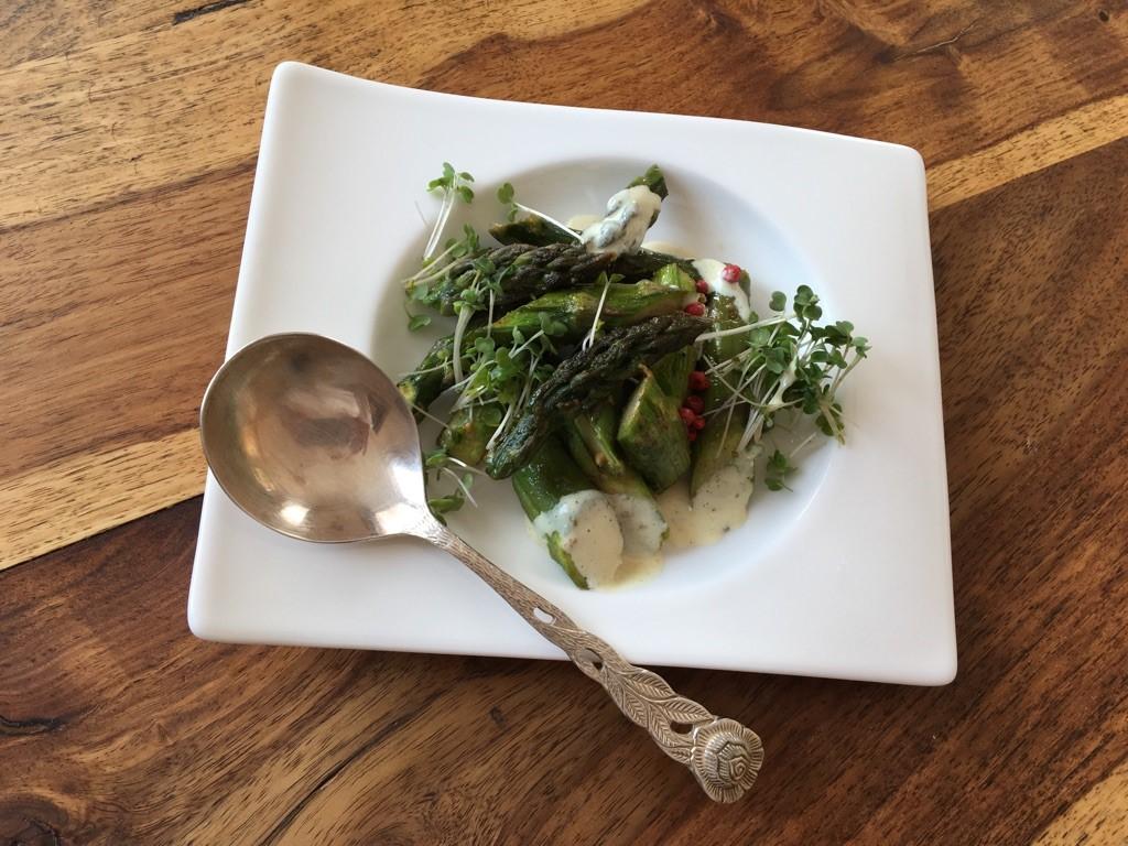 GRÜNER OFENSPARGEL TRIDOSHA - ernährung nach ayurveda - mit Rezepten von ayurveda at home in Salzburg - von Ines Steindl - ayurvedisch kochen